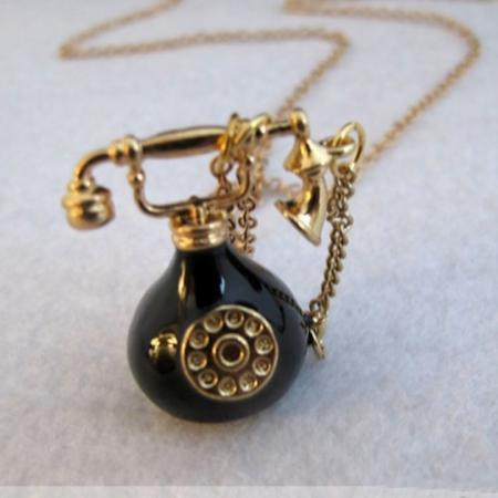 Black personality telephone necklace